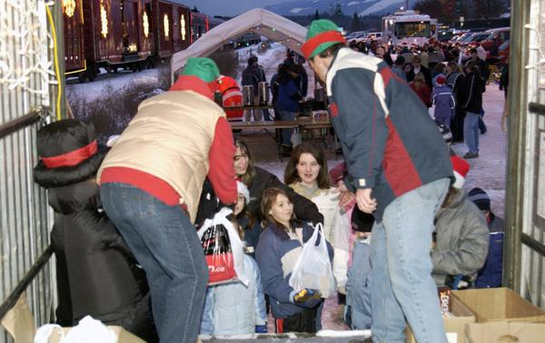 Holiday Train benefits local food banks
