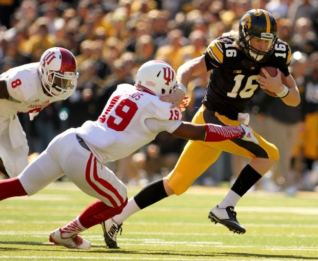 Beathard welcomes spotlight as Rudock finalizes Michigan transfer