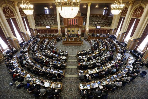 Iowa legislature convenes