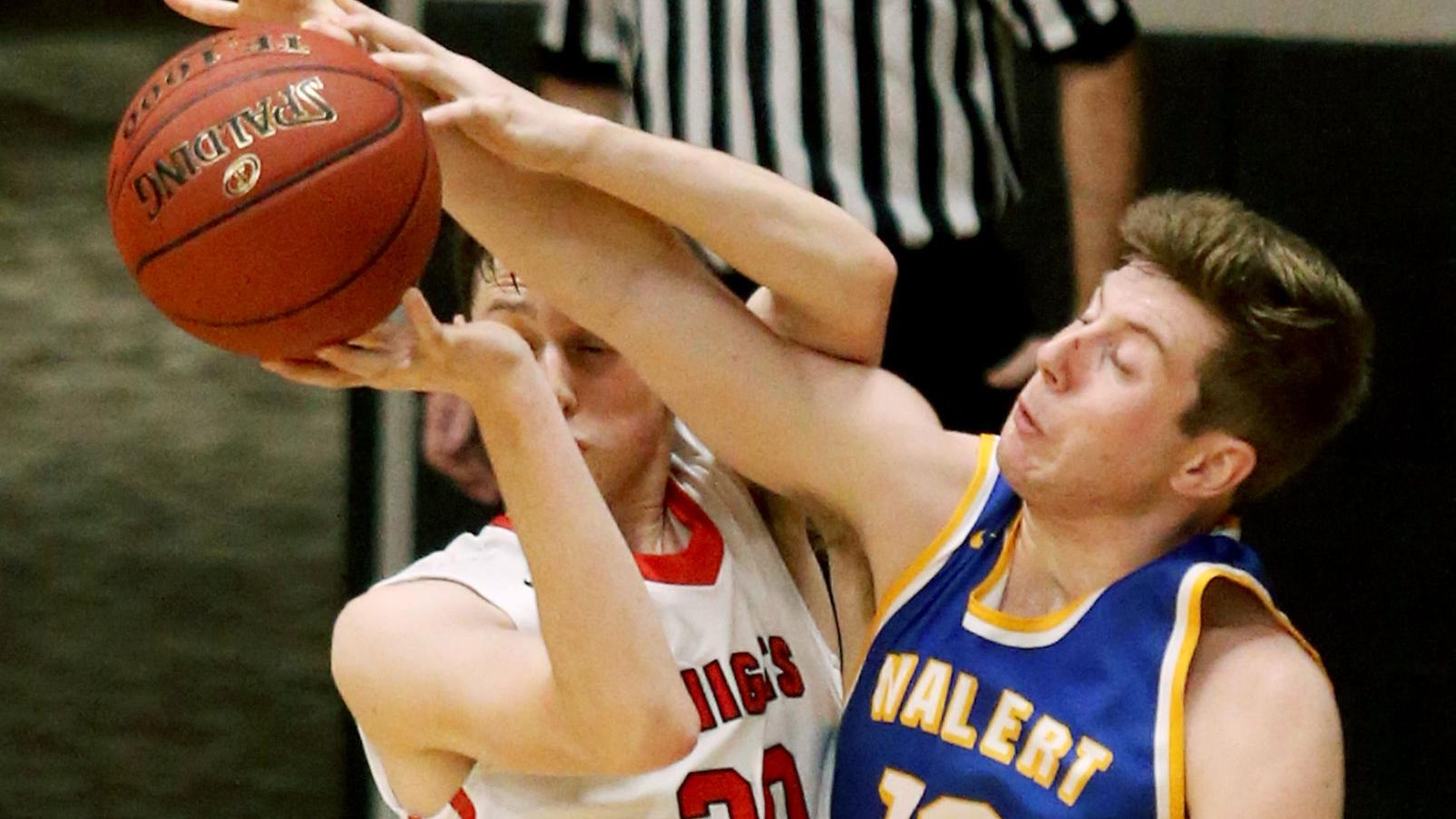 Dubuque Wahlert upends top-seeded Assumption in district final | High School Boys Basketball ...
