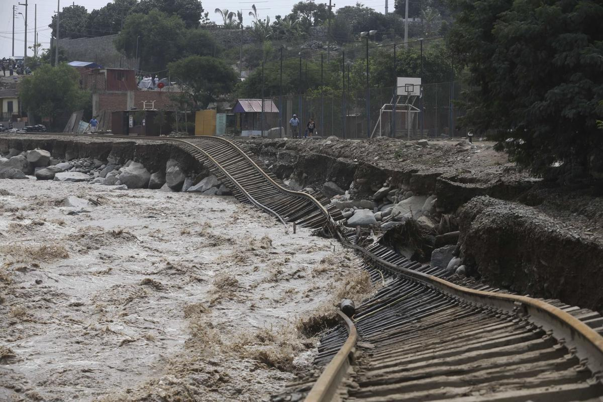 Photos: Peru Floods | Local News | qctimes.com