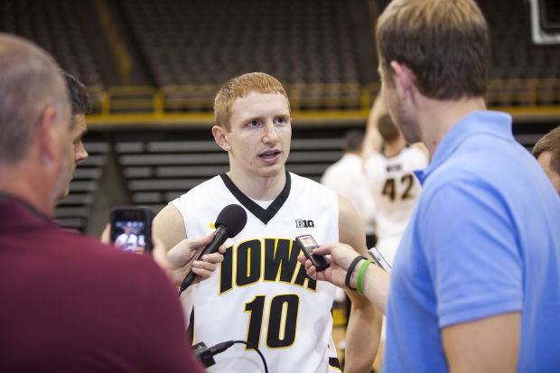 100913-Iowa-basketball