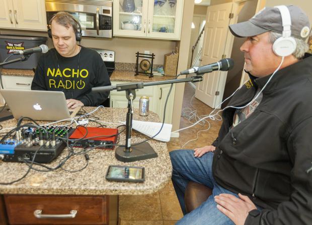 Former FM duo jumps into Internet world with NachoRadio.com