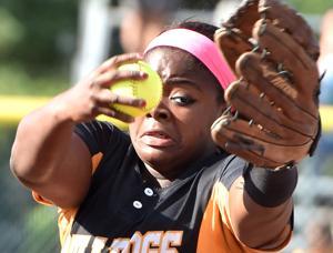 Bettendorf at state softball tournament