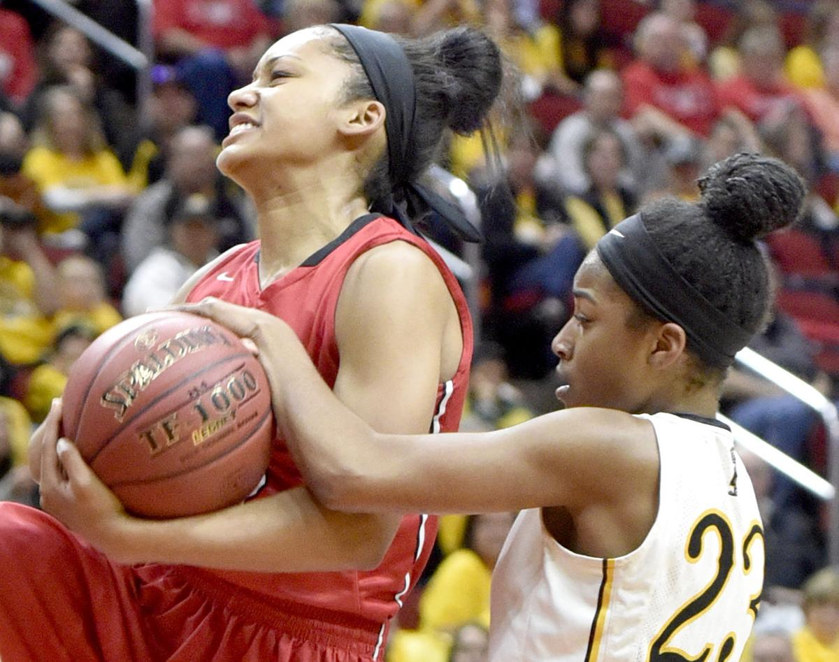 Davenport Assumption vs Center Point-Urbana state basketball