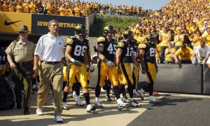 10@10: Hawkeyes likely sticking with black despite heat, 'gold-out'