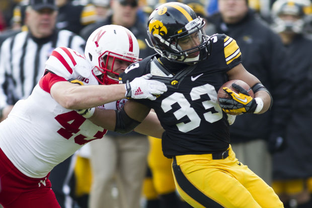 Hawkeyes' Daniels, Canzeri provide 'good options' at running back