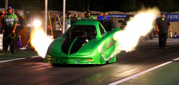 082214-drag-racing1