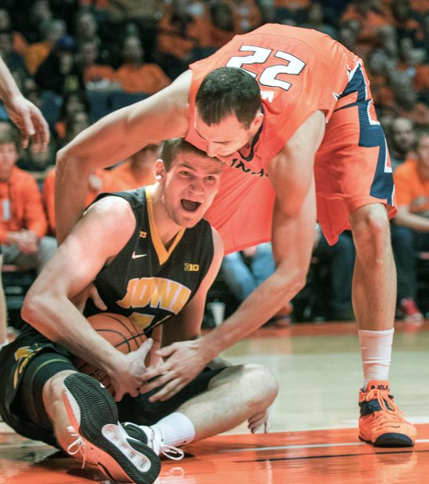 Hawkeyes up to No. 4 in AP poll
