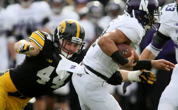 112013-iowa-fb-linebackers2
