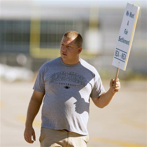 Teacher Strike Vote Galesburg