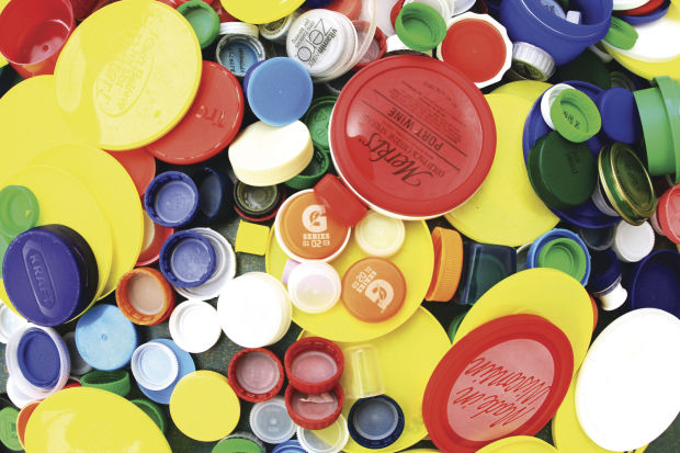BOTTLE CAPS 02