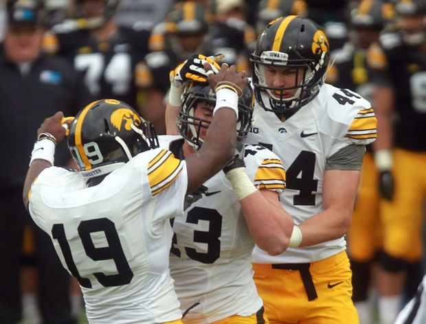 Hawkeye linebackers look to put it all together beginning Saturday