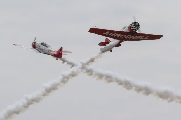 http://qctimes.com/news/local/daring-performers-boost-air-show-excitement/article_bdda8b75-115b-5a79-9e84-65d1ee1403e2.html