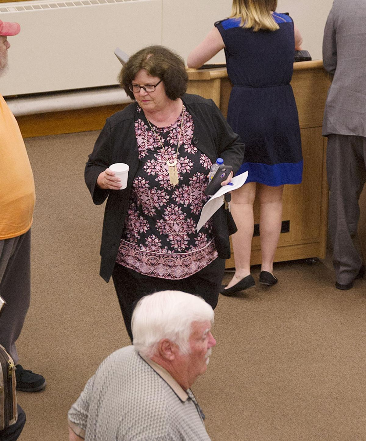 Broderson exits Council Chambers