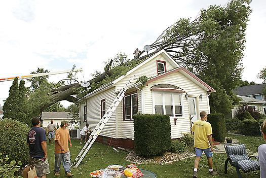 Rare 'derecho' leaves swath of damage across Iowa, Q-C region