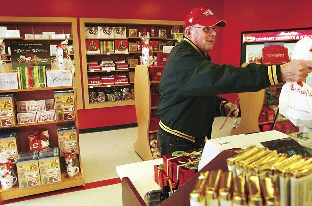 Fannie May returns with store in west Davenport