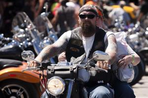 Early rallygoers continue to roll into Sturgis