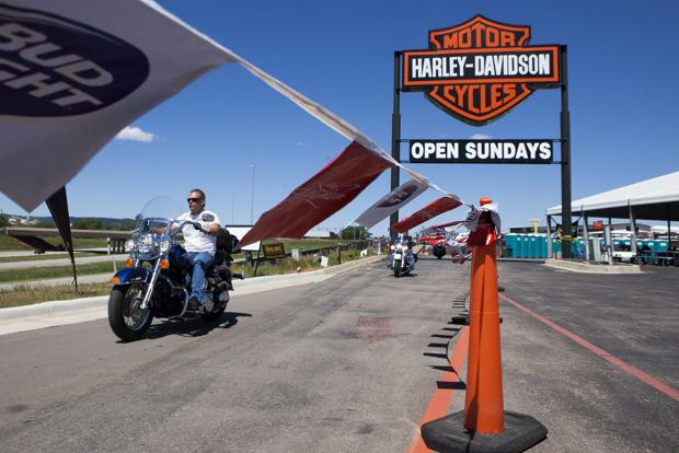 Harley spins off mini-rally into Rapid City with its 'Rally at Exit 55'