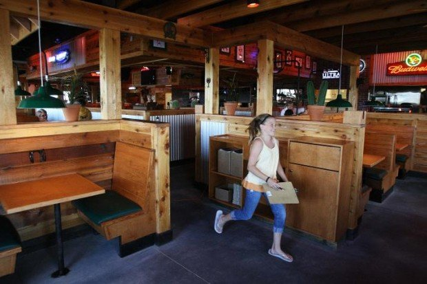 See inside texas roadhouse for Table 52 chicago closing