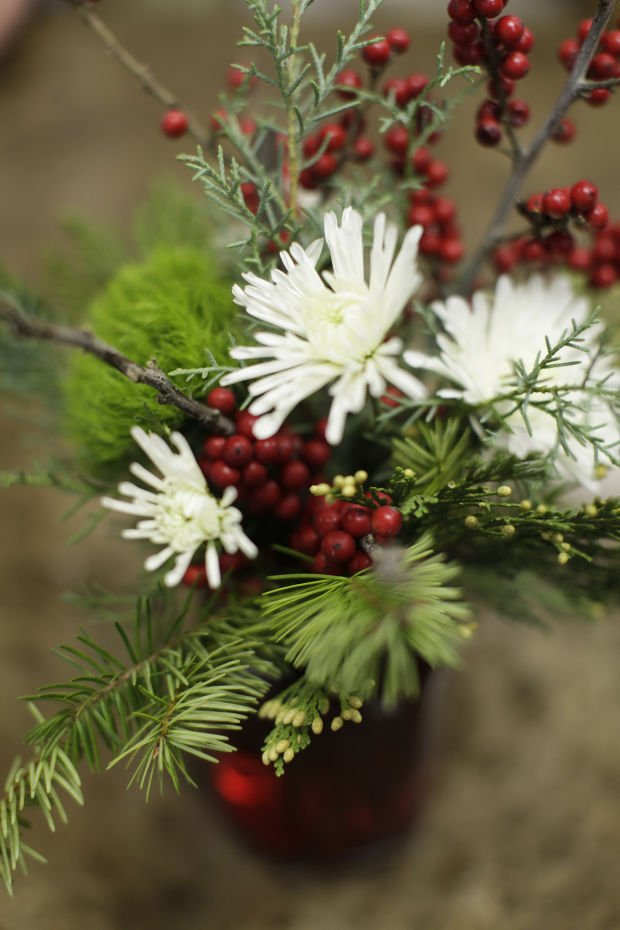 Winter's bloom: Simple flower arrangements and touches of ...