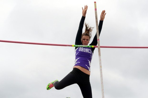 Walker wins state A pole vault 1