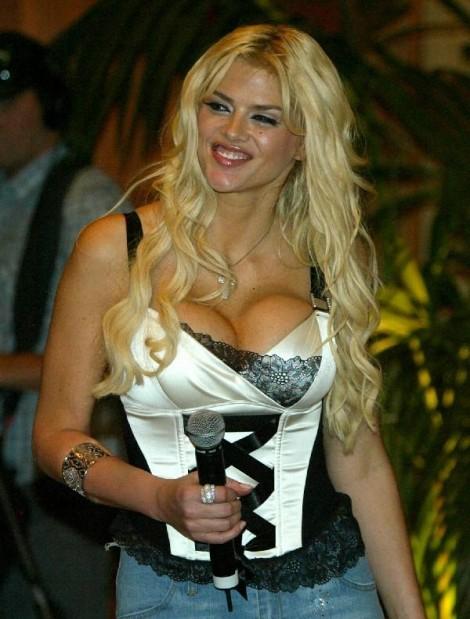 Playboy video playmate calendar 2006 2005 v video