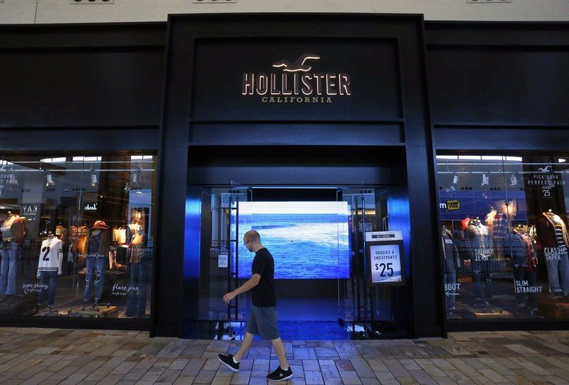 Clothing stores like hollister