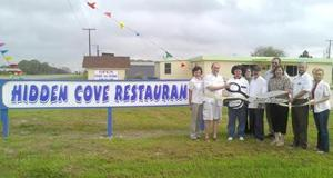 Holiday Beach restaurant opens, joins Rockport-Fulton Chamber