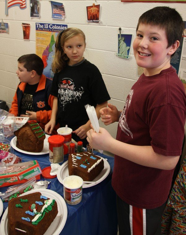 12_15_gingerbread_IMG_4759