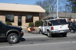 Chase ends in wreck in Albertville 2