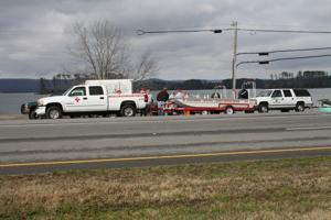 Wanted man jumps from Guntersville bridge following high-speed chase