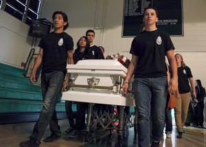 Memorial service remembers crash victims