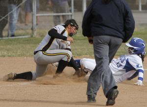 Conqs hold on against Braves