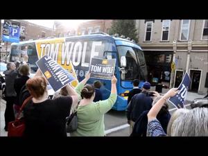 Tom Wolf arrives