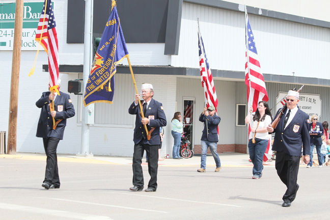 Residents recognize Memorial Day with parade, program