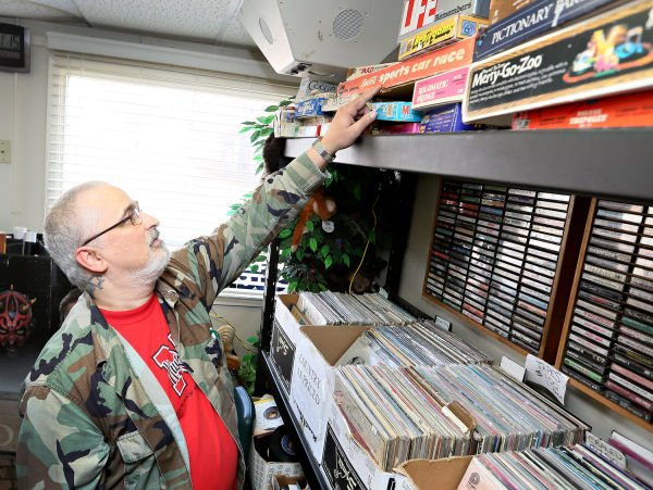 Games people play vintage board games offer nostalgia for Craft stores in sioux city iowa