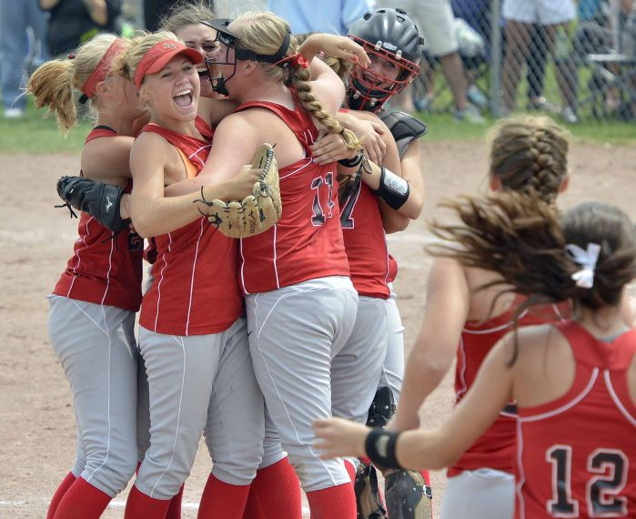 Akron-Westfield repeats as 1A champions in dominating