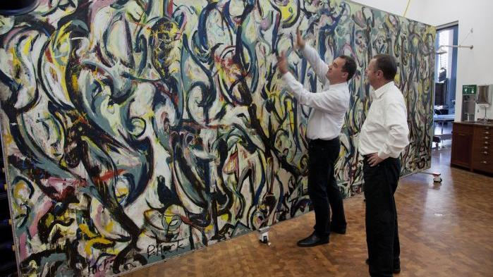Restoring a masterpiece jackson pollock 39 s 39 mural 39 opens for Jackson 5 mural