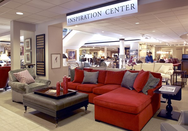 Gabberts Fine Furniture es to second level of HOM
