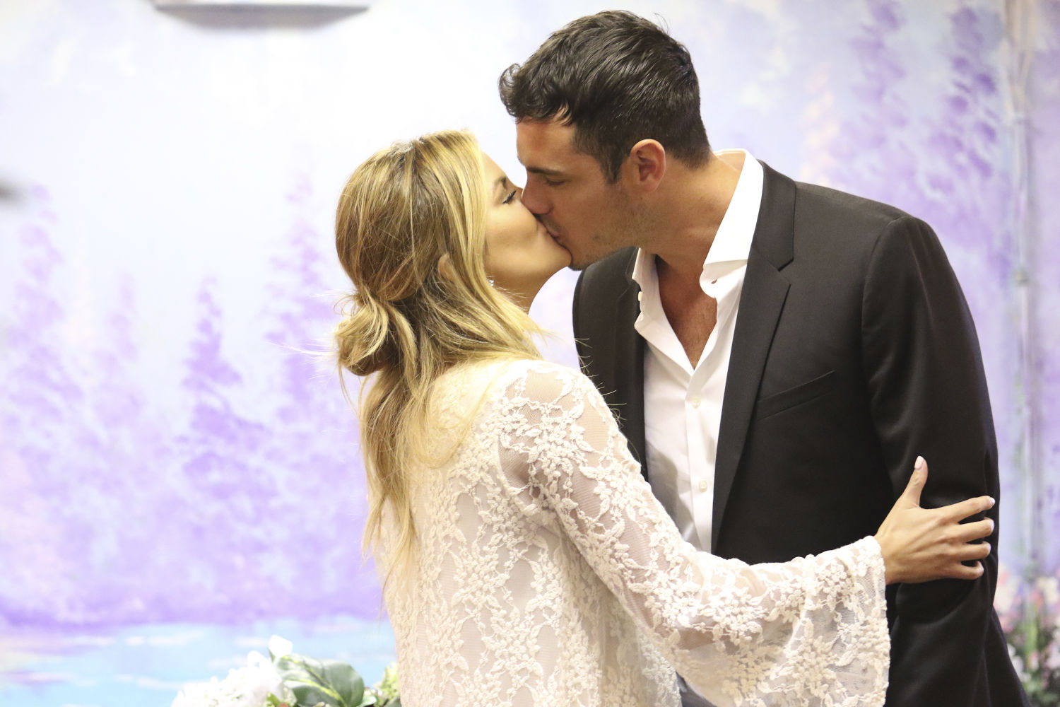 The Bachelor 2016 Spoilers Who will shine in the new episode