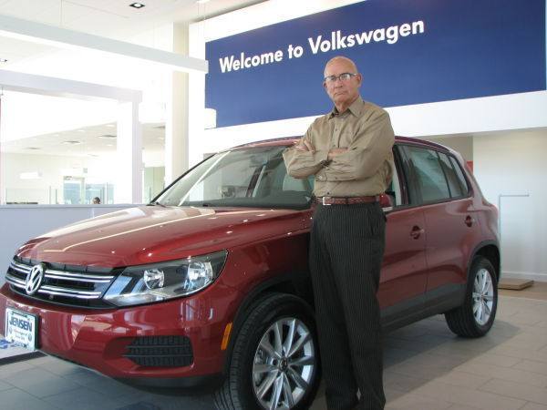 volkswagen dealership opens new showroom in sioux city
