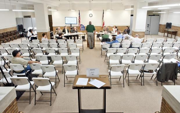 Majority of Woodbury Count supervisors plan to keep afternoon meetings