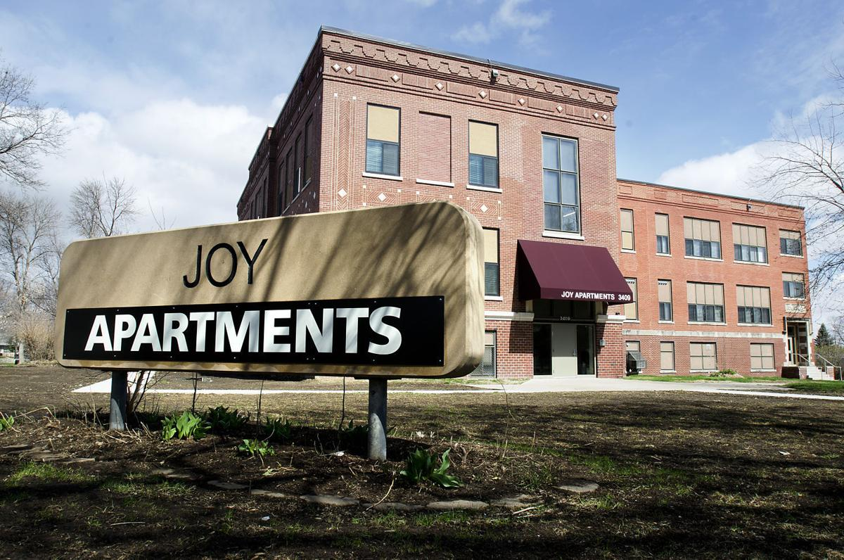 Century Old Sioux City School Reopens As Joy Apartments