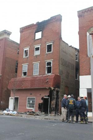 Four-alarm fire destroys Cambridge building