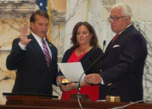 Miller administers oath
