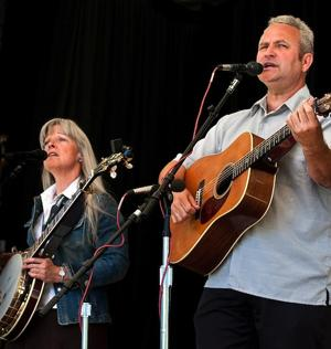 Chris Stuart and Janet Beazley
