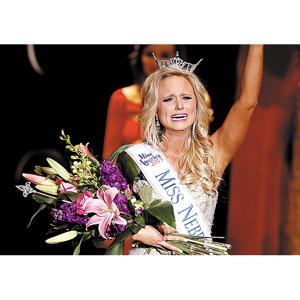 Local woman crowned Miss Nebraska 2013