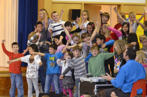 Westmoor Elementary spreads holiday cheer