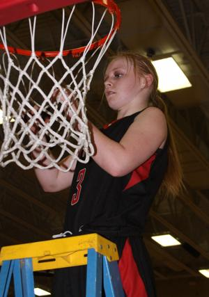 Scottsbluff tips Sidney for B-6 title